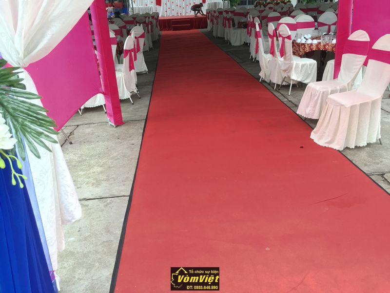 Thảm đỏ trải sàn