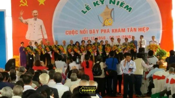 le-ky-niem-60-nam-pha-kham-tan-hiep-hinh-003